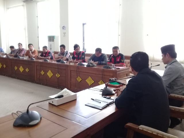 Buruh PTPN7 Cinta Manis Datangi DPRD OI