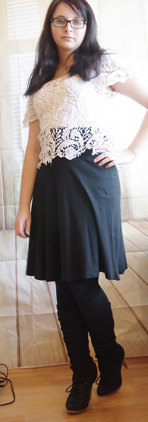 Outfit Black Skirt and Crochet Top