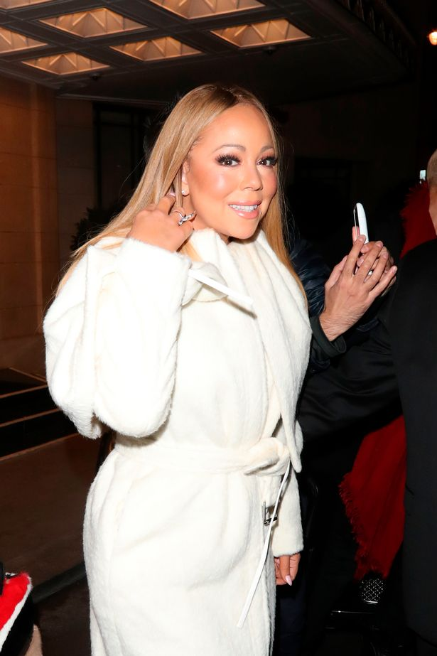 Mariah-Carey-spotted-leaving-her-London-hotel