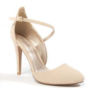 Cutaway arch shoes