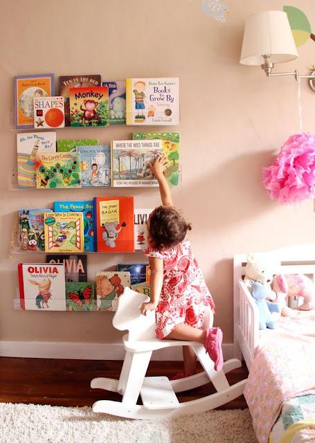 organizando o cantinho dos livros