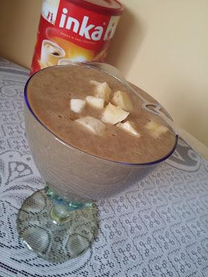 Kawowe smoothie z owsianką i z bananem