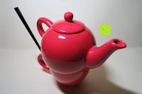 Kanne auf Tasse: Porzellan Teekannenservice von Original First Tea (Rot)