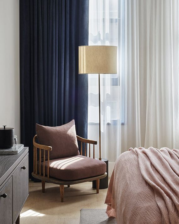 Dusty pink and blue color combination | 11 Howard hotel in SoHo via Remodelista