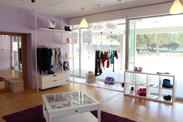 A loja abriu portas recentemente e está a conhecer o seu público alvo 922f60b57d2d