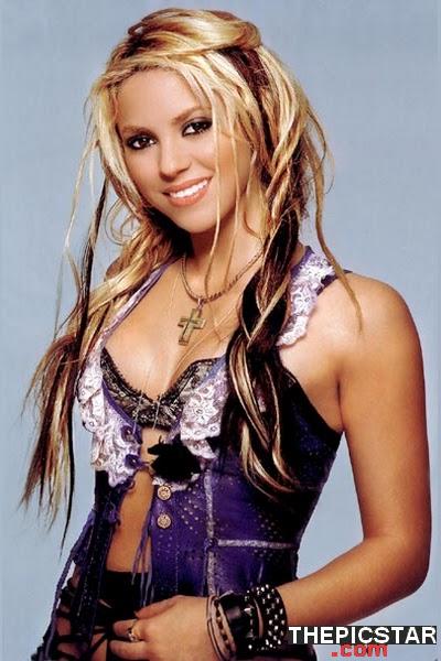صور، إغراء، المغنية، شاكيرا، Shakira، ساخنة، عارية، مثيرة، بطن، صدر