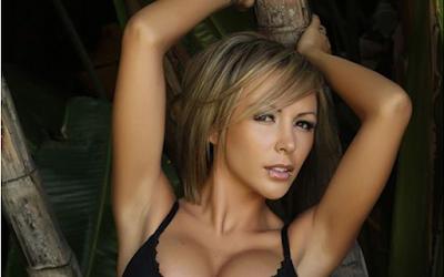 Top 10 Hacker Wanita Tercantik Yang Memukau Di Dunia