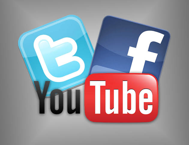 Smart choice: Get paid to mess around facebook,twitter and