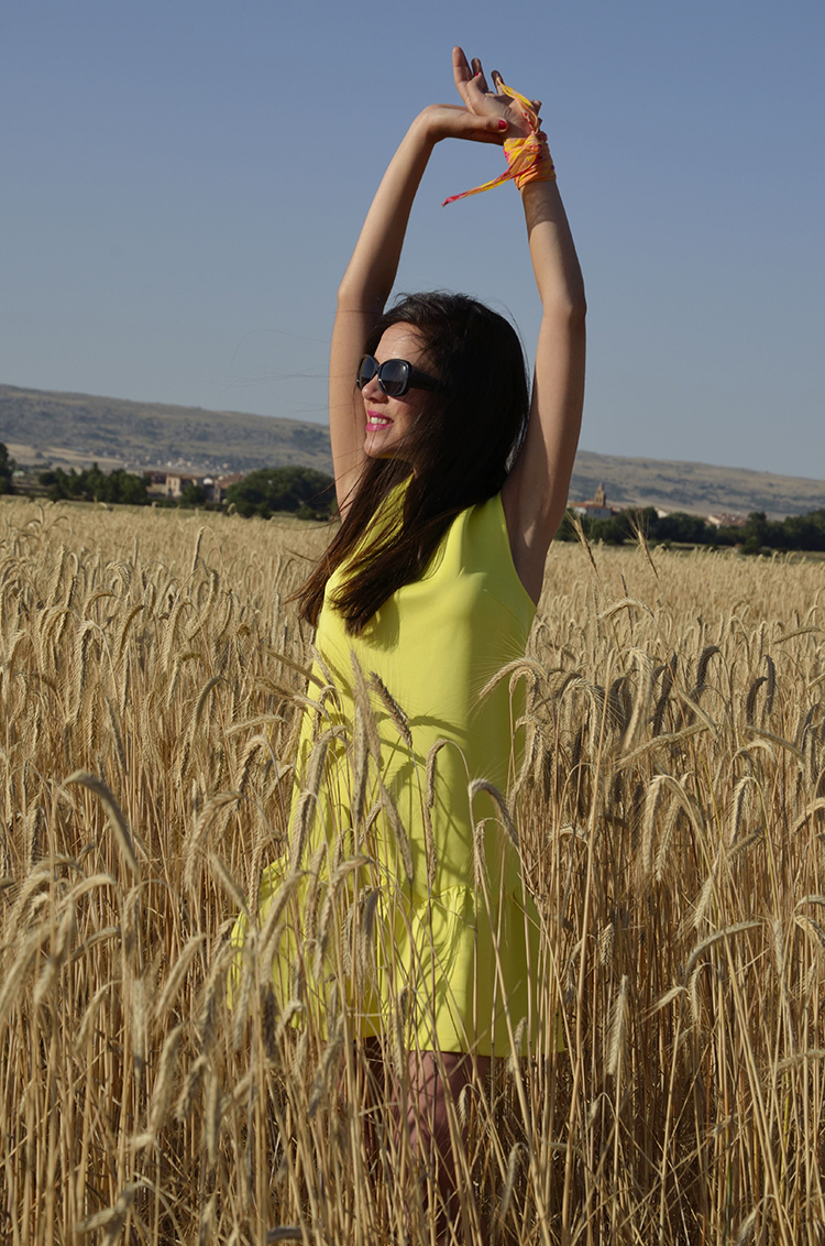 vestido-amarillo-look-blogger-verano-summer-dress-outfit-trends-gallery