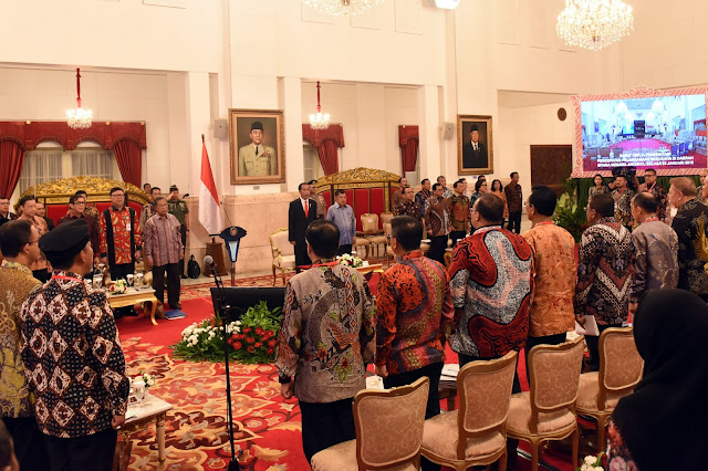 Harus Satu Garis, Presiden Jokowi: Jangan Seluruh Provinsi Keluarkan Aturan Sendiri