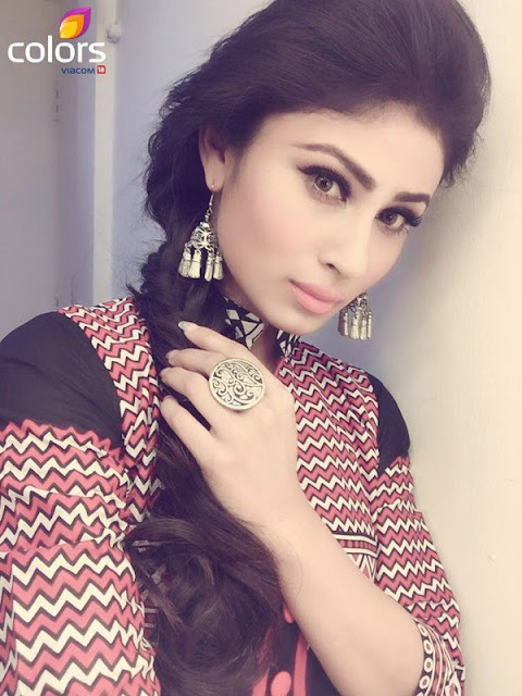 mouni-roy-on-colors-tv