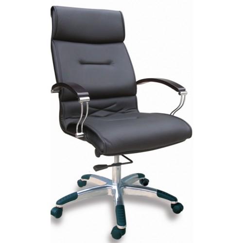 Để làm sạch hiệu quả hơn, doanh nghiệp nên sử dụng các loại dung dịch rẩy rửa chuyên dụng dành cho ghế da văn phòng