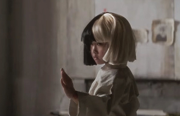 9-year-old karate girl, Mahiro Takano: new star of the clip of the singer Sia