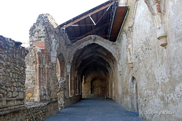 Claustro Reglar del Monasterio de Santa María de Carracedo