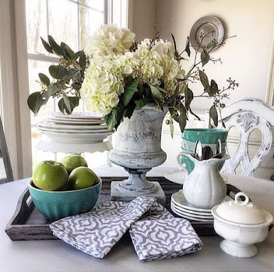 Table Spring Decor Idea