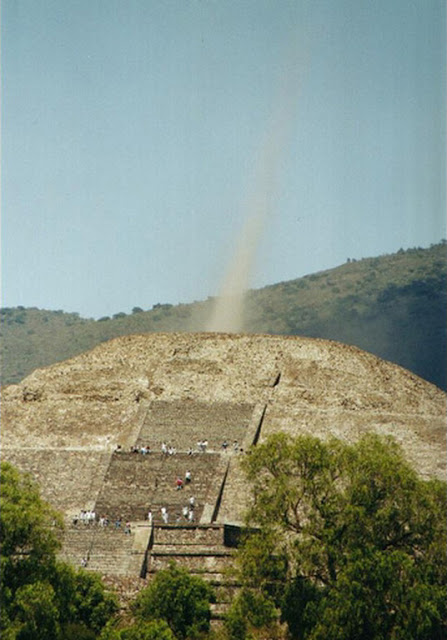 Mysterious beam of energy seen coming out of a Pyramid.