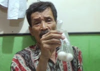 Strange a grandfather in Indonesia can lay eggs