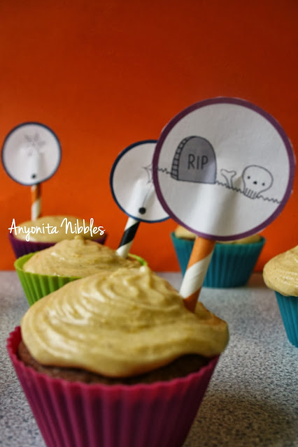 Sticky Toffee Pudding Cupcakes with Pumpkin Buttercream and Reast in Pece Halloween Cupcake Topper from www.ayonita-nibbles.com