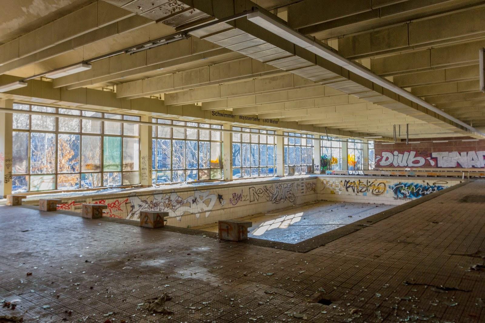 Last smash pankow schwimmhalle abandoned berlin - Indoor swimming pool berlin ...