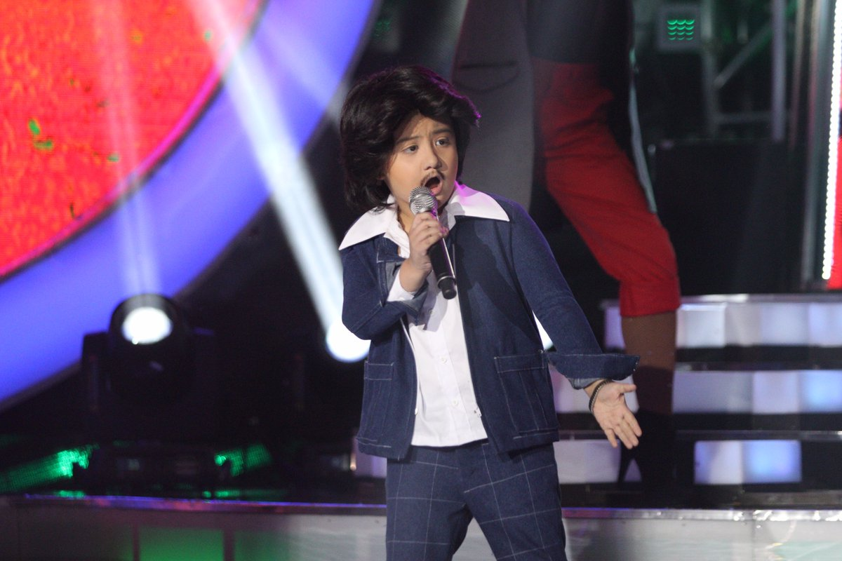 "Alonzo Muhlach sings ""Macho Gwapito"" as Rico J. Puno"