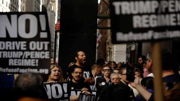 """Pueblo estadounidense """"Marcha por la Verdad"""" en protesta al Gobierno de Trump"""