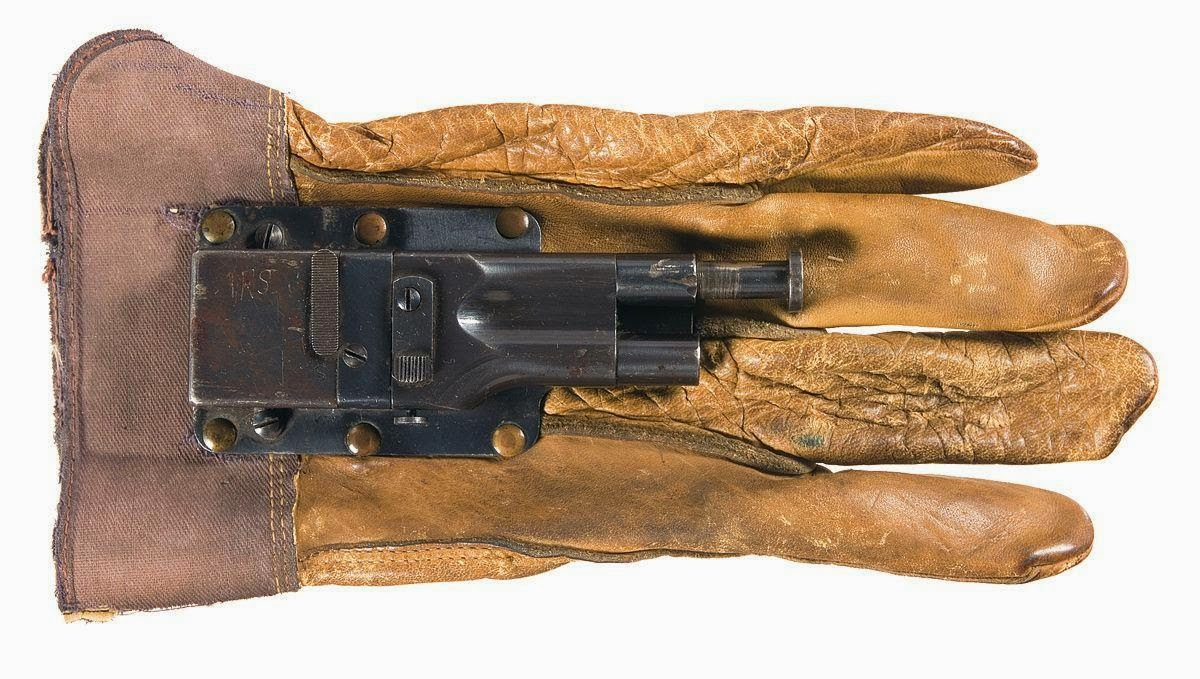 To Sedgley OSS .38 πιστόλι γάντι ή Sedgely Fist Gun είναι ένα όπλο του Β   Παγκοσμίου Πολέμου. Σχεδιάστηκε από τον Stanley M. Height και  κατασκευάστηκε από ... 3efef85edca
