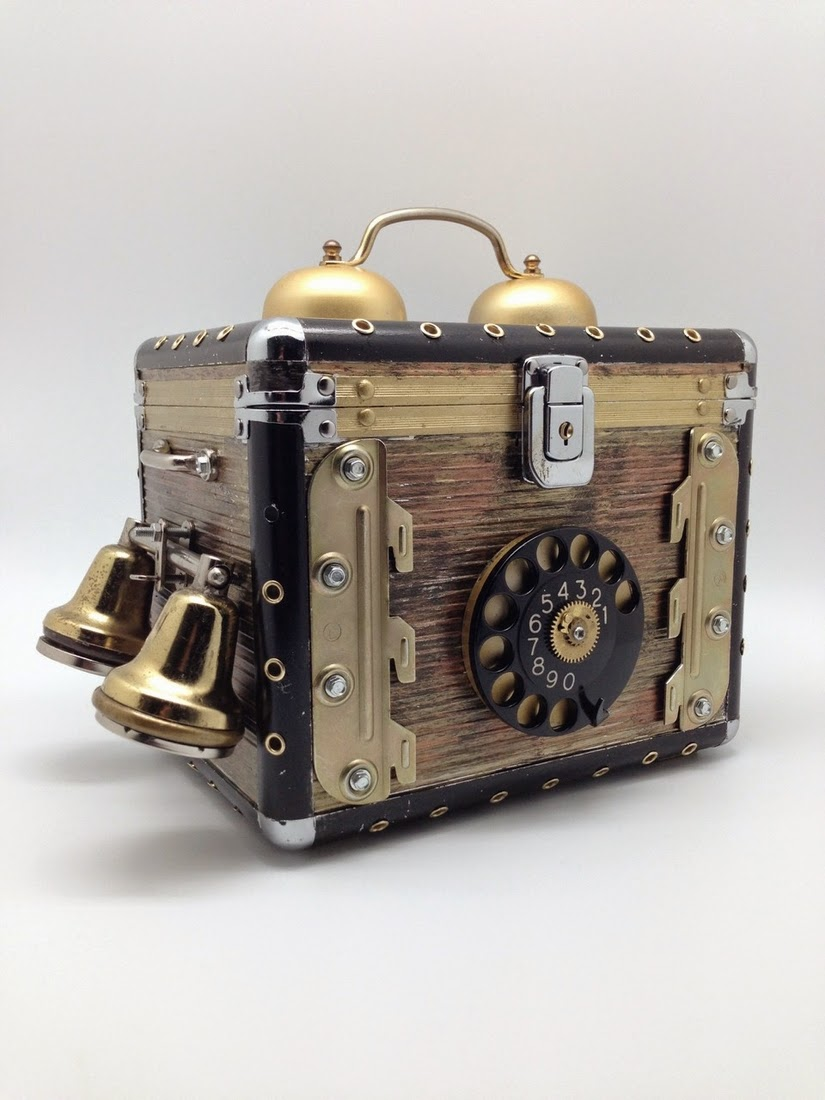 14-Van Halen Co-Steampunk Sculptures Wonderland-www-designstack-co