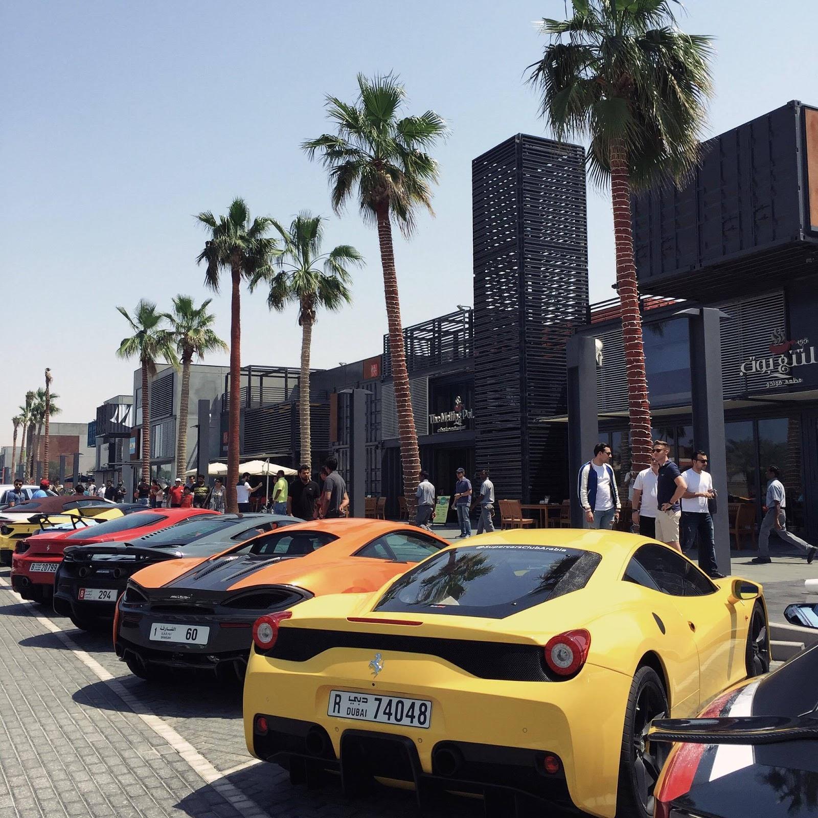 Dubai Desert Blogger Crazy Supercars Line Up In Dubai