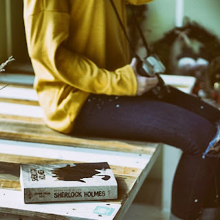 Book Sherlock Holmes on table