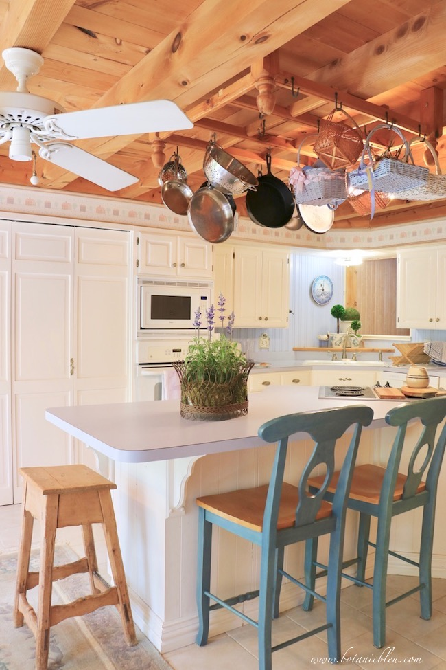 budget wise laminate counters in blue and white country French inspired kitchen