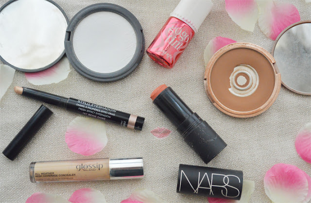 Everyday face makeup routine con la All Weather High Coverage Concealer di Glossp Milano