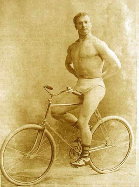 Eugen Sandow, 1896.