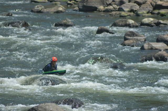 Paket Rafting Di Sungai Cipeles Sumedang