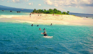 http://www.teluklove.com/2017/03/pesona-keindahan-wisata-pulau-badul-di.html