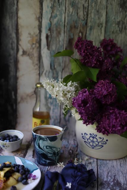 still life, lilac, syreeni
