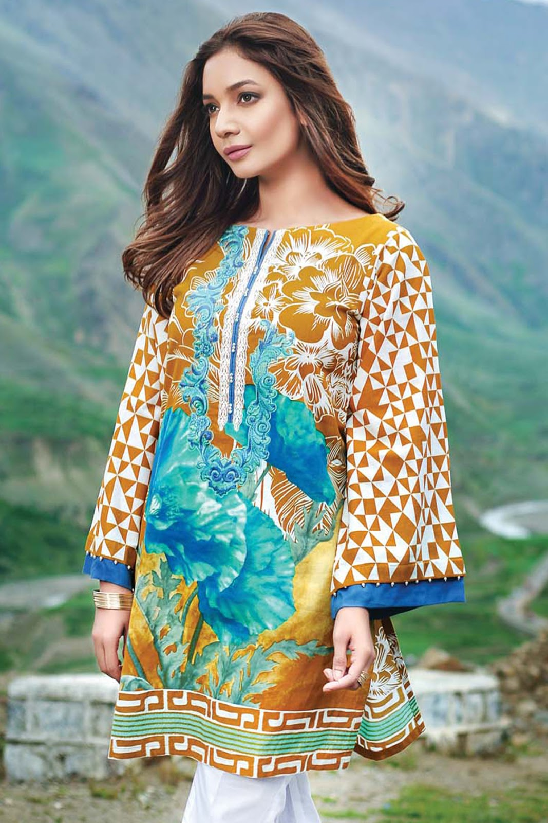 Gul-Ahmed-Embroidered-And-Printed-Winter-Collection-HD-Images