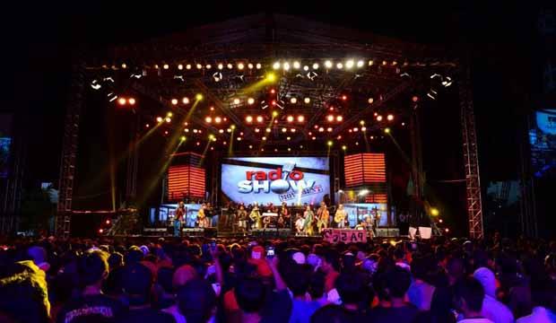 RadioShow Bandung #BEDAITUHEBAT