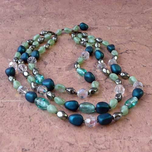 green beaded necklace circa 1930s