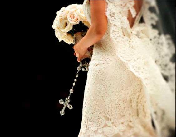 Terço para noivas, significado, famosas que usaram