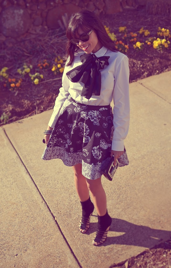 FLORAL SKIRT STREET STYLE