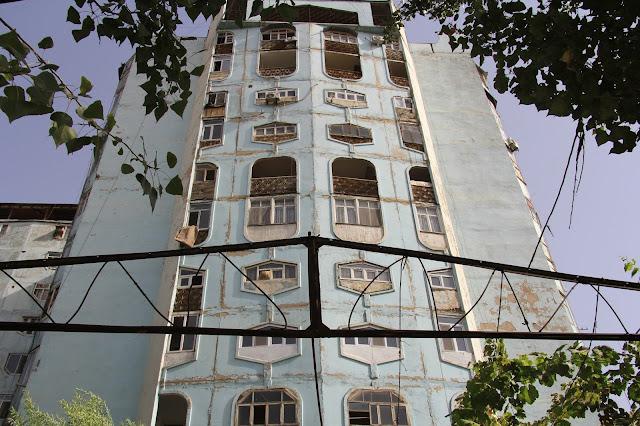 Tadjikistan, Dushanbe, immeuble, © L. Gigout, 2012