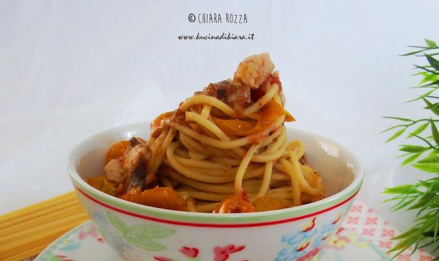 Spaghetti con sugo di gallinella e Tapenade