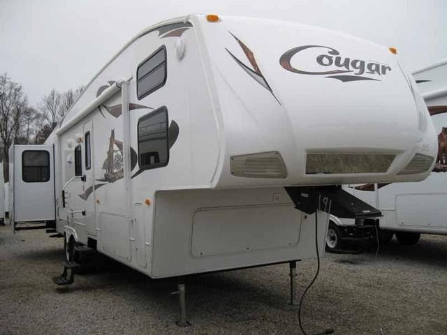 Wet Leaky Basement For Sale 2010 Cougar 322qbs 5th Wheel
