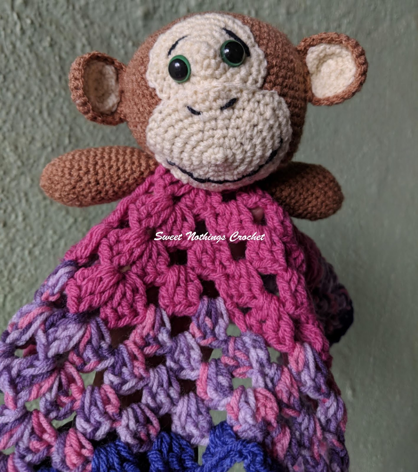 Baby Monkey amigurumi ***updated w/ pattern - CROCHET | 1600x1418