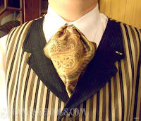 http://www.steamingenious.com/2014/03/how-to-make-victorian-cravat-or-ascot.html