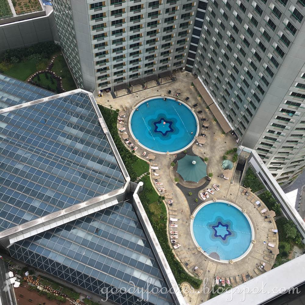 Goodyfoodies Hotel Review Swissotel The Stamford Singapore