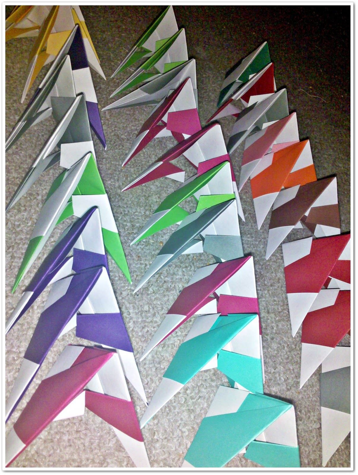 wiola 39 s papiermomente origami stern bascetta stern falten. Black Bedroom Furniture Sets. Home Design Ideas