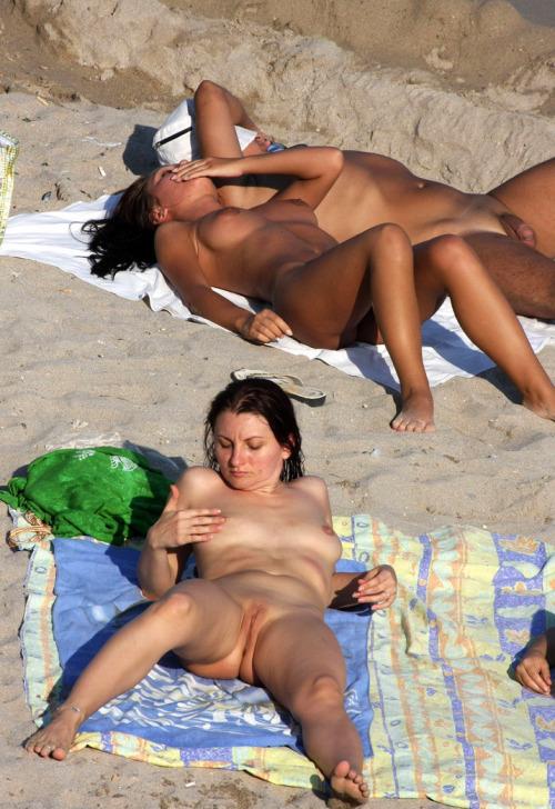 Nude Voyeur Photo 16