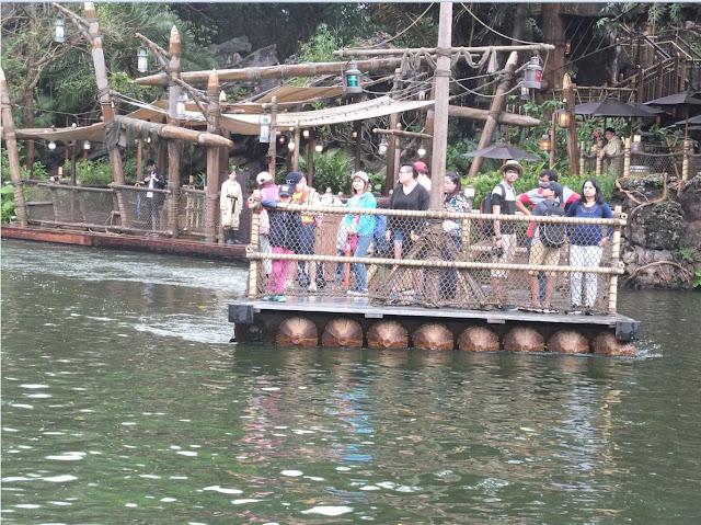 Tarzan's Island Hong Kong Disneyland Raft