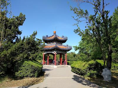 китайская беседка в саду Храма Неба